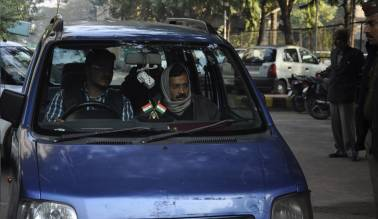 Arvind Kejriwal complains about stolen car, L-G tells him to park in the right places