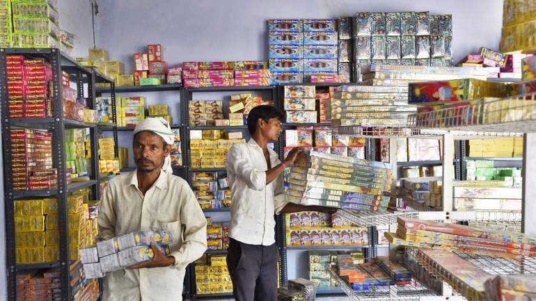 SC refuses to lift ban on sale of firecrackers in Delhi, but says no ban on bursting them