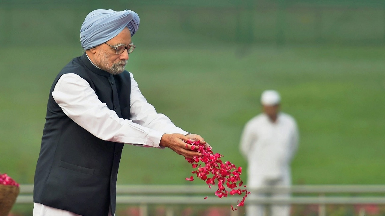 Former Prime Minister Manmohan Singh pays homage Jawaharlal Nehru on his 128th birth anniversary, in New Delhi, on Tuesday.