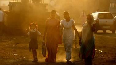 """Mumbai air turns """"poor"""" as temperature drops"""