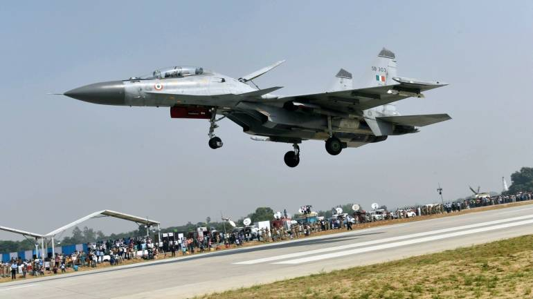 A Su-30 MKI aircraft touches down on Lucknow-Agra Expressway during a drill conducted by Indian Air Force near Bangarmau in the Unnao district of Uttar Pradesh on October 24, 2017. (PTI)