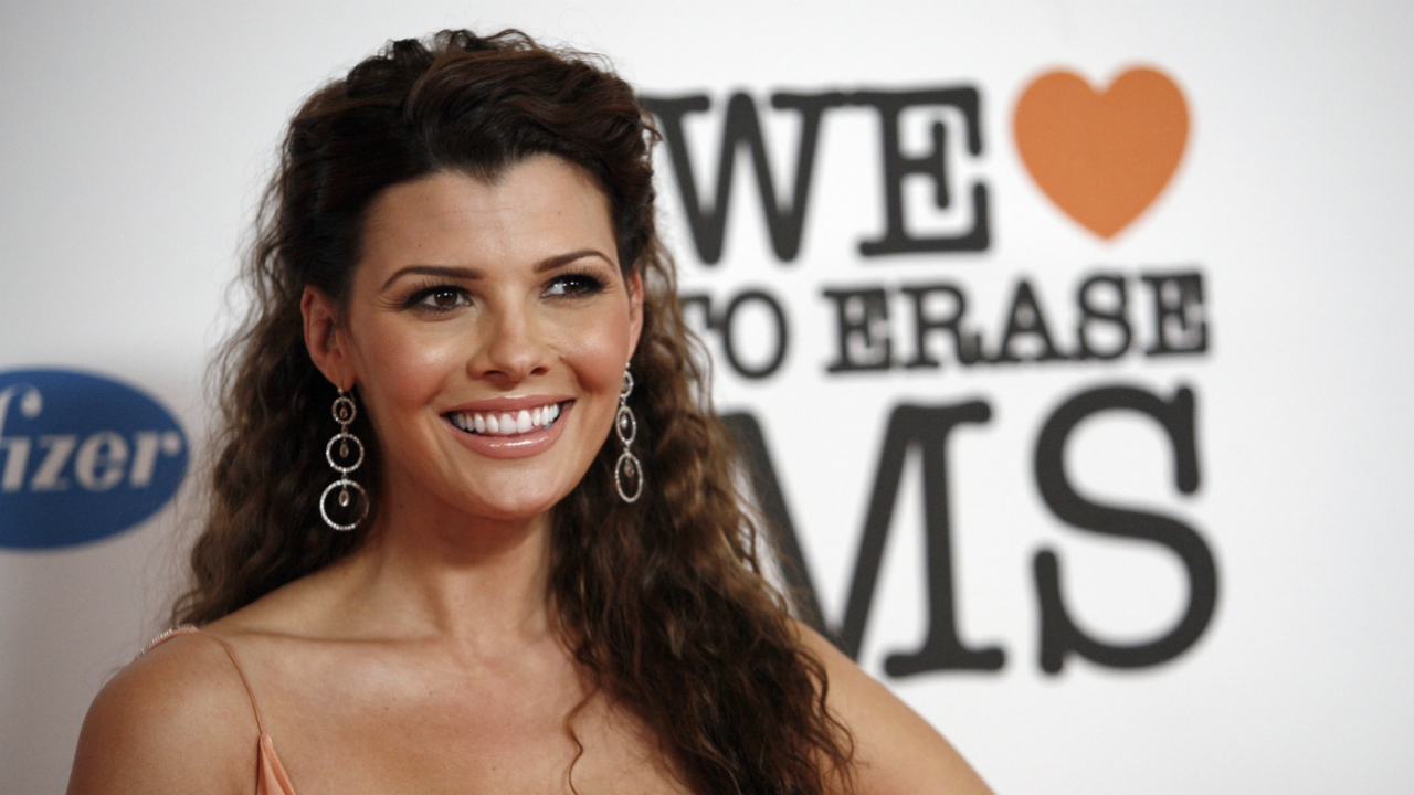 Ali Landry is an American model who won the Miss USA 1996.She is mainly remembered for a Super Bowl commercial aired in 1998 endorsing a brand which catapulted her to a new height? Identify the brand from the house of Frito-Lay?