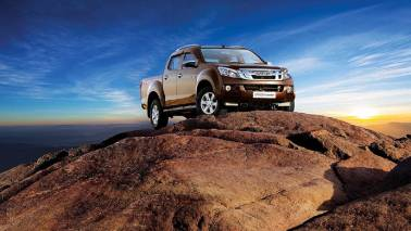 Isuzu launches updated D-Max V-Cross at Rs 14.31 lakh