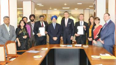 Implementation agreement on sustainable transport signed between MoHUA and GIZ GmbH