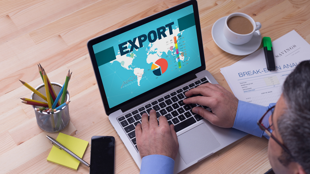Doubling exports: A report by FedEx*, a logistics and supply chain management company, stated that 69% of SMBs surveyed in India forecasted an average growth of 26% in export revenues just by using PC-driven technologies. These SMBs used the reach of online media and technologies to market themselves, receive orders and expand their businesses around the world.