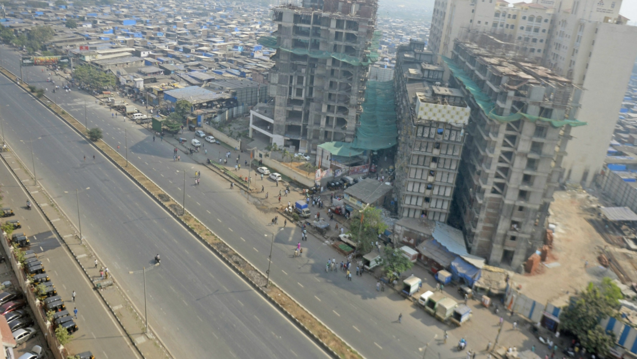 A view of deserted roads after Dalits called for Maharashtra Bandh. (PTI)