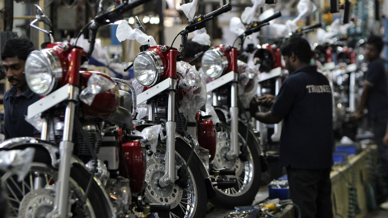 Two-wheeler segment bring cheers automakers in December – A look at the numbers