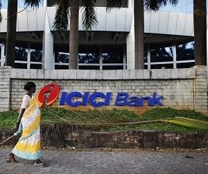 Truecaller ties up with ICICI Bank for making UPI payments