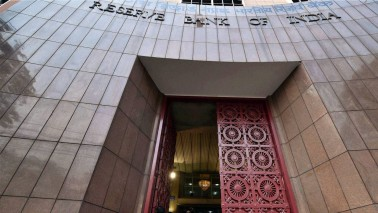 RBI relaxes reserve rules to ease liquidity