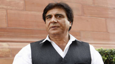 Raj Babbar compares rupee's falling value with age of Modi's mother, BJP demands apology from Congress