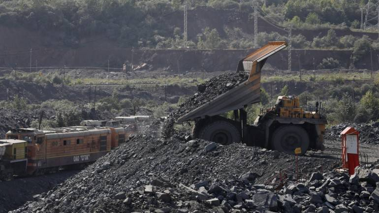 NMDC iron ore prices remain flat in August; output jumps 37% in July - Moneycontrol thumbnail