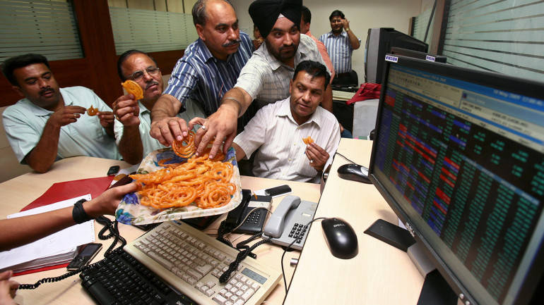 Nifty, Bank at record closing highs; Sensex above 32000 for 1st time; Infosys eyed