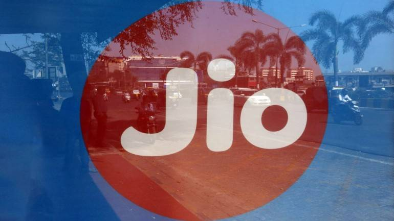RIL quarterly profit jumps a quarter, Jio opens account