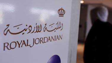 Reclaim territory on armrest: Now, Royal Jordanian trolls airline gadget ban