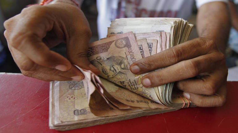 Rupee ends at day's high; post biggest single session gain since Sept 27 - Moneycontrol.com thumbnail