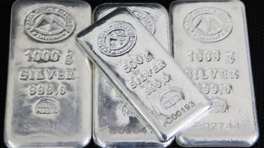 Silver futures down on weak overseas trend