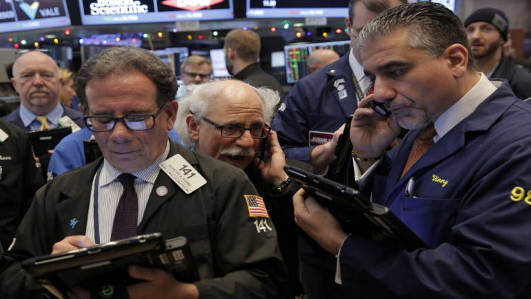 Wall Street gains as Fed moves to buy short-term corporate debt - Moneycontrol.com thumbnail