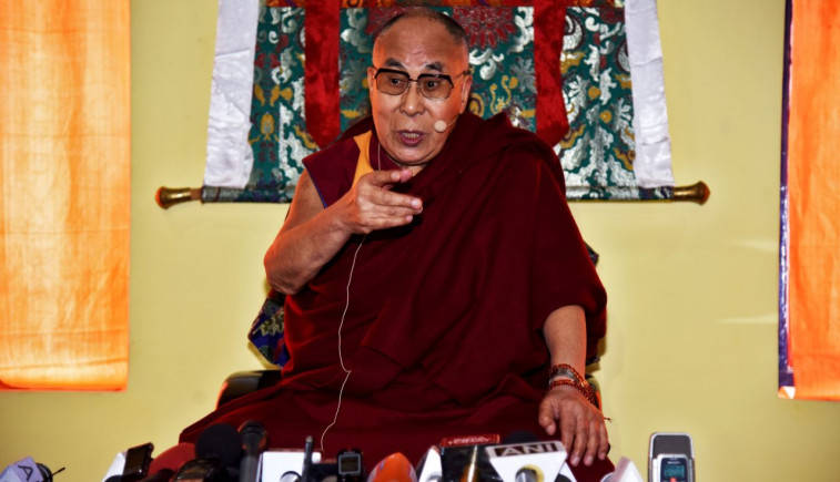 Dalai Lama invokes Hindi Chini Bhai Bhai slogan, says Doklam standoff not  very serious