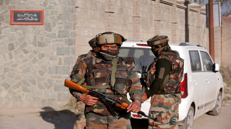 Pakistan violates ceasefire along the Line of Control in Baramulla