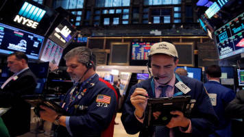 Dow, S&P dogged by growth worries; techs help Nasdaq bounce