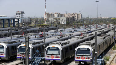 Delhi smog: Puri asks DMRC to increase frequency of trains to promote use of public transport