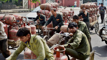 Ahead of polls, LPG loan repayment deferred