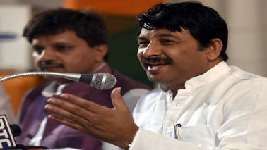 Delhi sealing: SC issues contempt notice to BJP MP Manoj Tiwari