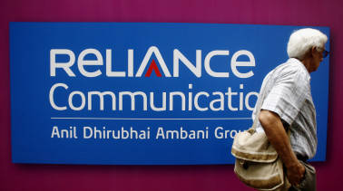 Lenders sell 12 cr share of Reliance Communications
