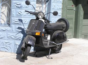 Motorcycle vs scooter: Which is the ideal daily commute?