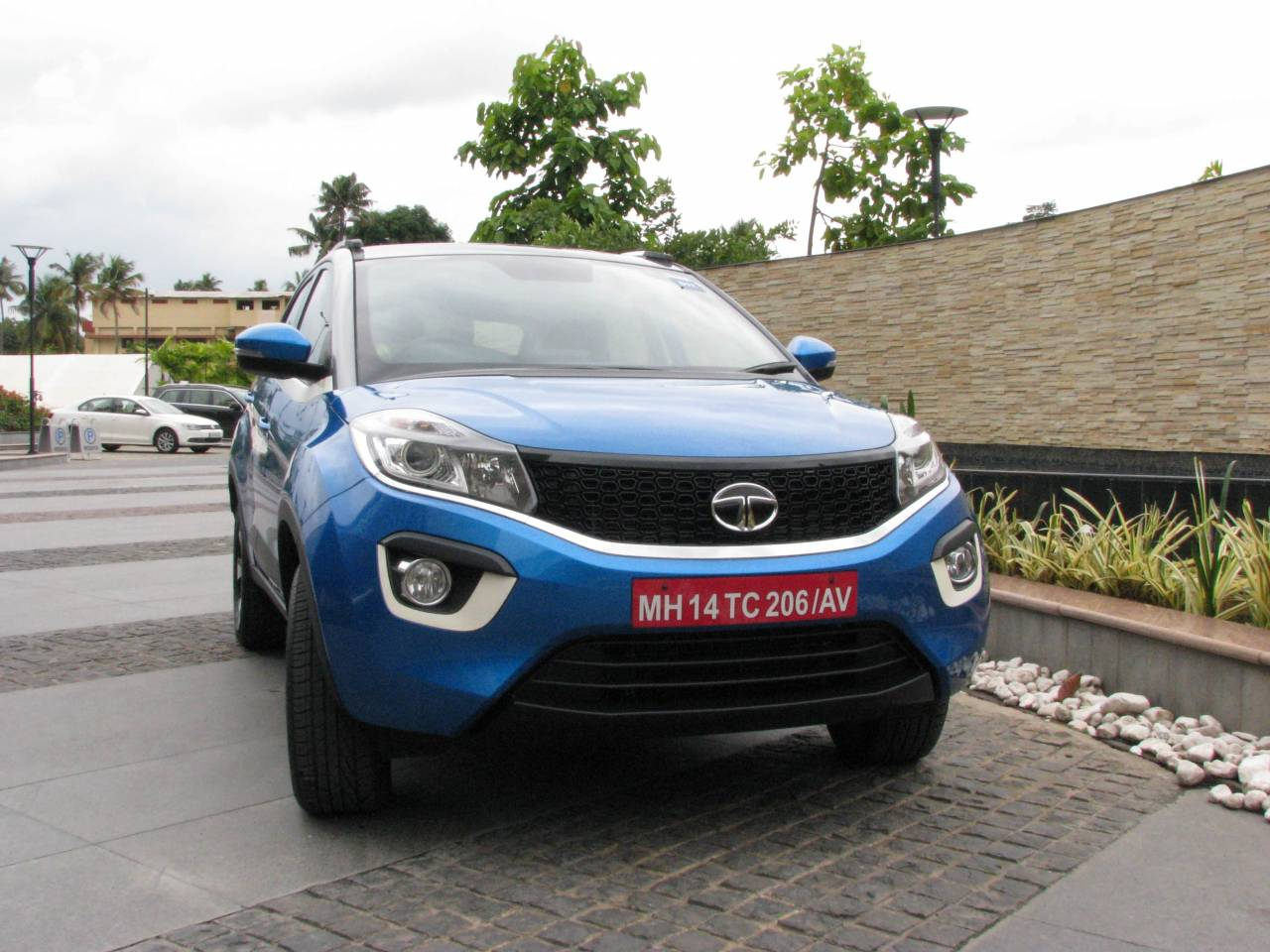 Tata Nexon, the offbeat and stylish compact SUV from Tata Motors, became one of its best-sellers. But with rising competition the company is forced to offer discounts of Rs 85,000 on the Nexon (Image: Tata Motors)