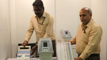 SC seeks EC reply on plea by 21 opposition leaders for verification of 50% VVPAT slips