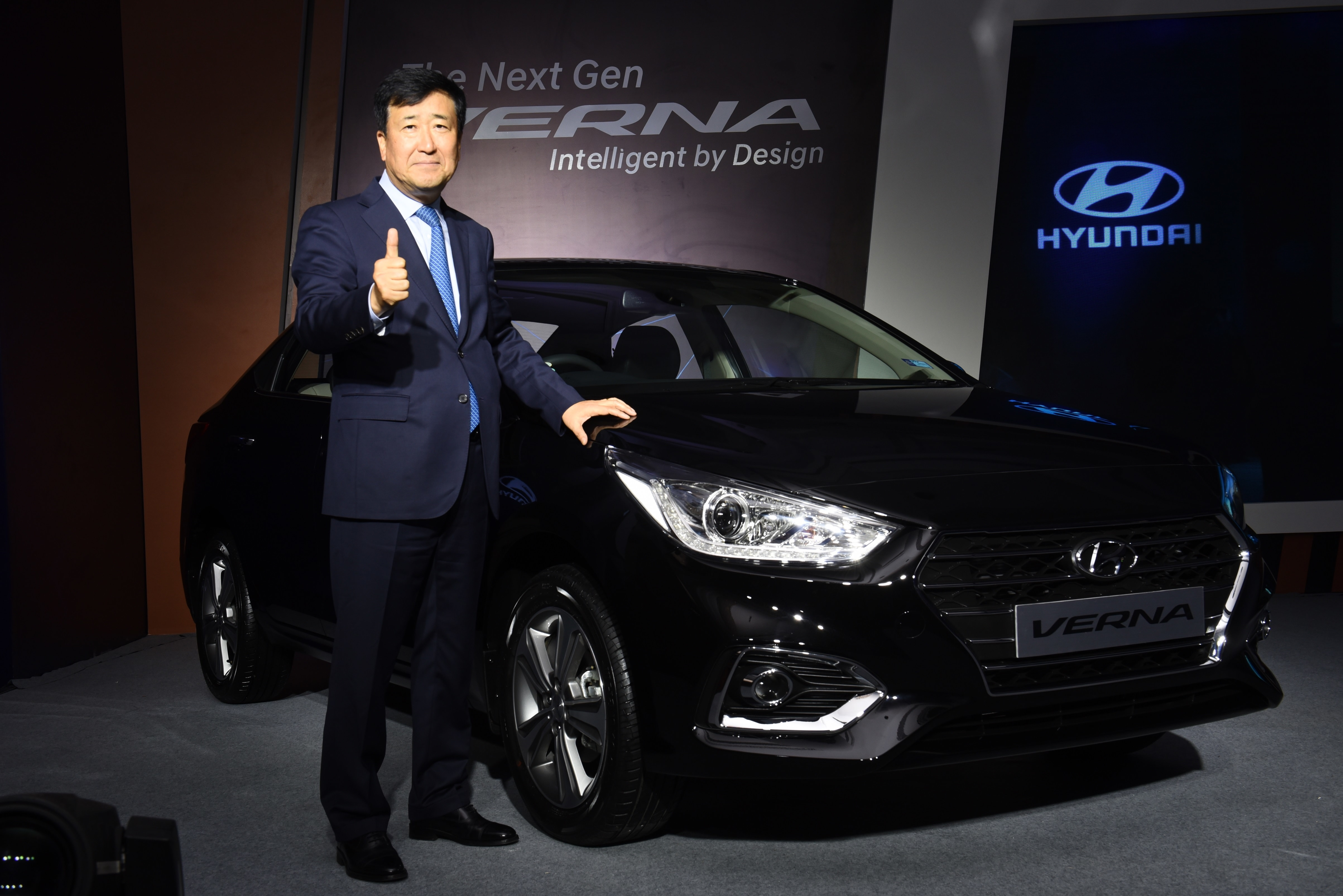 hyundai revs up for an electric debut, schedules launch of e-vehicle
