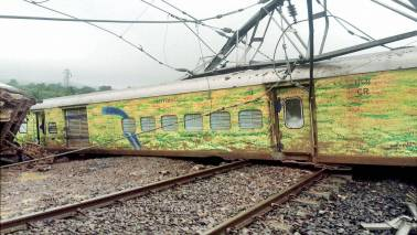 How availing train travel insurance through IRCTC will help you