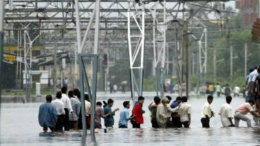 Rains bring Mumbai to standstill, commuters blame administration