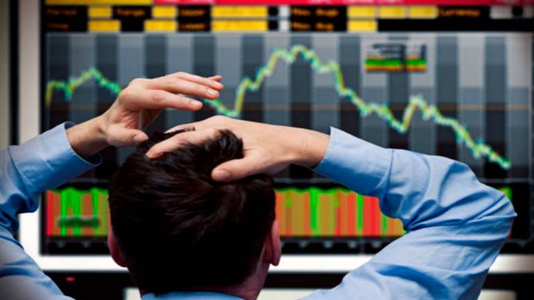 Indian indices fall over 1% on global cues
