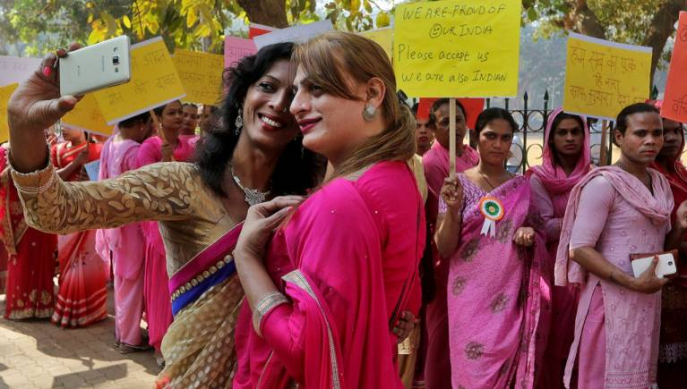 Hindistan'da eşcinsel ilişki artık suç değil