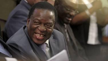 Blast as Zimbabwe president campaigns; prez Emmerson Mnangagwa not hurt