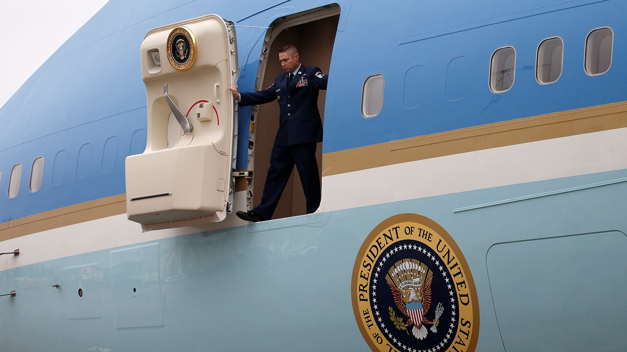 An aviator waits for a boarding ramp as US President Donald Trump arrives in Harrisburg, Pennsylvania, US on October 11, 2017. (Reuters)