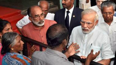 PM discusses post-Ockhi situation with Tamil Nadu CM