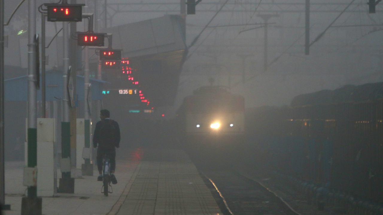 It was a foggy Pittsburgh train platform in 1902,X stared through the mist and realized that he could dry air by passing it through water to create fog. Doing so would make it possible to manufacture air with specific amounts of moisture in it. Within a year, he completed his invention to control humidity – the fundamental building block for modern air conditioning. Identify X?