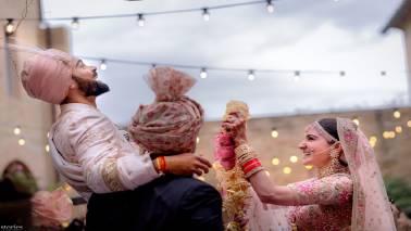 Report says Anushka Sharma and Virat Kohli will auction wedding photos for charity