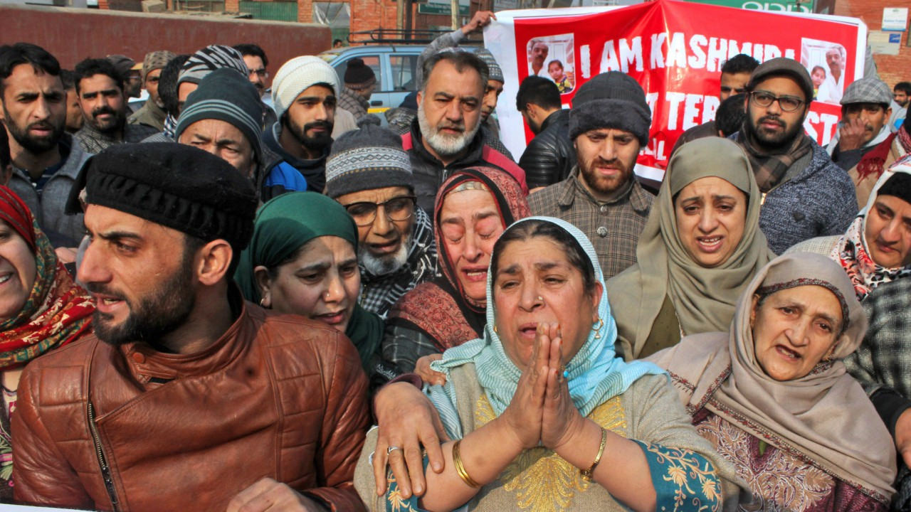 Family members and relatives of Bilal Ahmad Kawa, an alleged Lashkar-e-Toiba (LeT) operative and an accused in the 2000 Red Fort terror attack, held a protest in Srinagar on Friday. Bilal was arrested by officials of Gujarat ATS and special cell Delhi police from Delhi Airport. (PTI)
