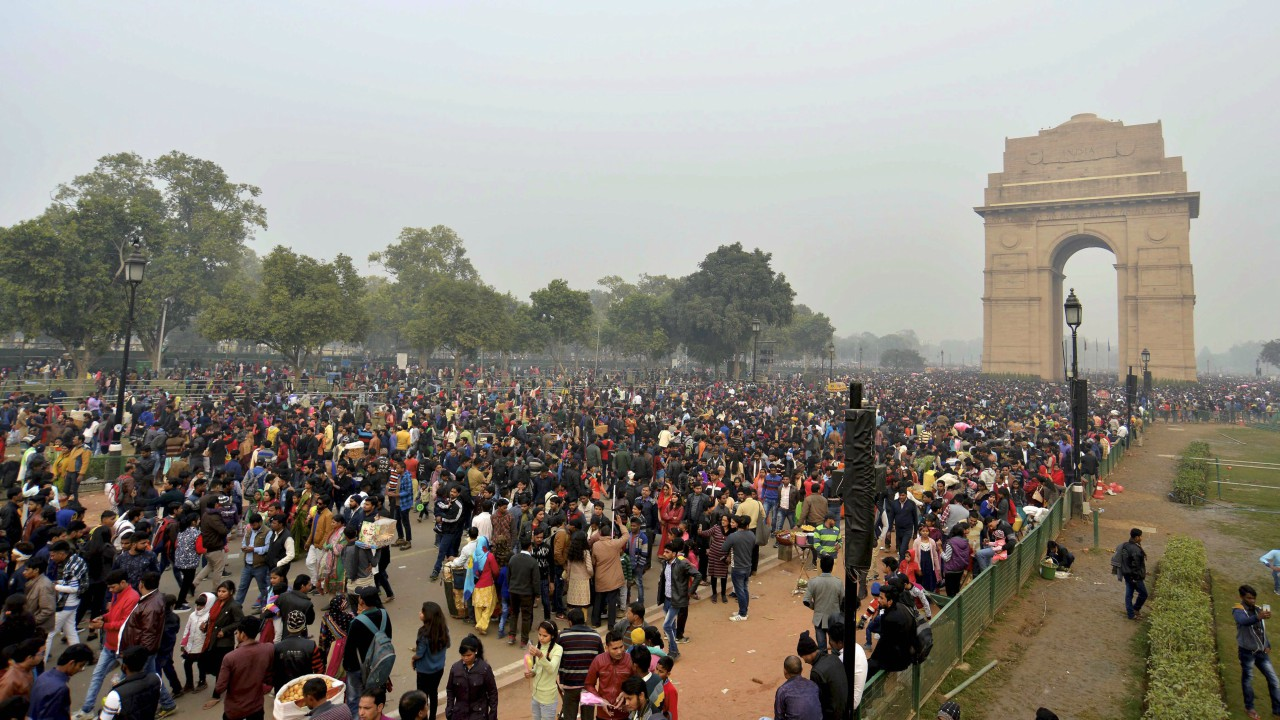 People visiting the India Gate in New Delhi on the first day of the New Year 2018 on Monday. (PTI)