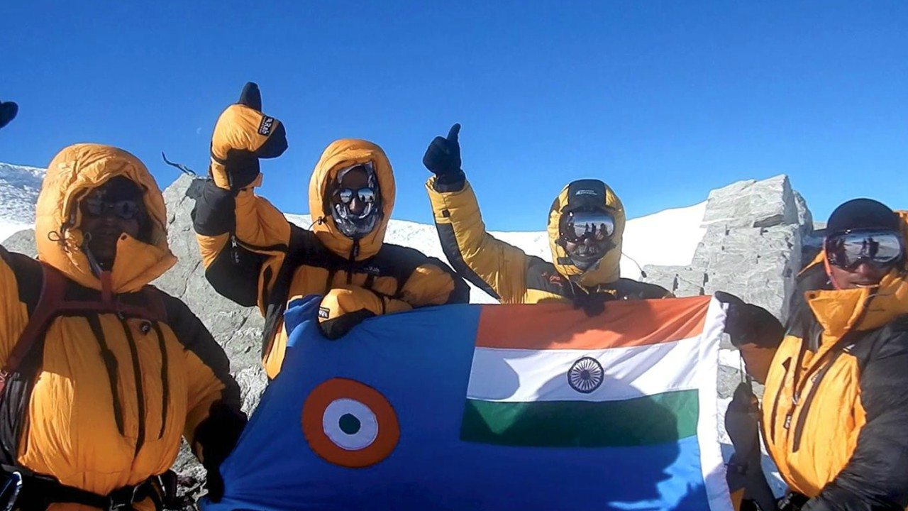 A team of IAF mountaineers had successfully scaled highest peaks of seven different continents culminating with Mt Vinson in Antarctica. (PTI)