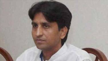 Kumar Vishwas: Isolated in AAP, but not willing to quit