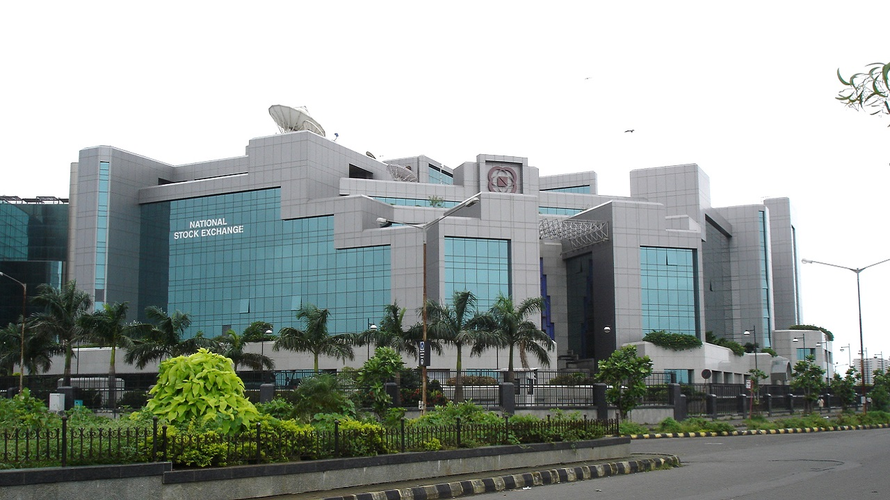 1993-94 || This budget announced the setting up of a major institution, paving the way for modernization of India's stock markets. Which institution is this? Ans: National Stock Exchange (Image source: Wikimedia)