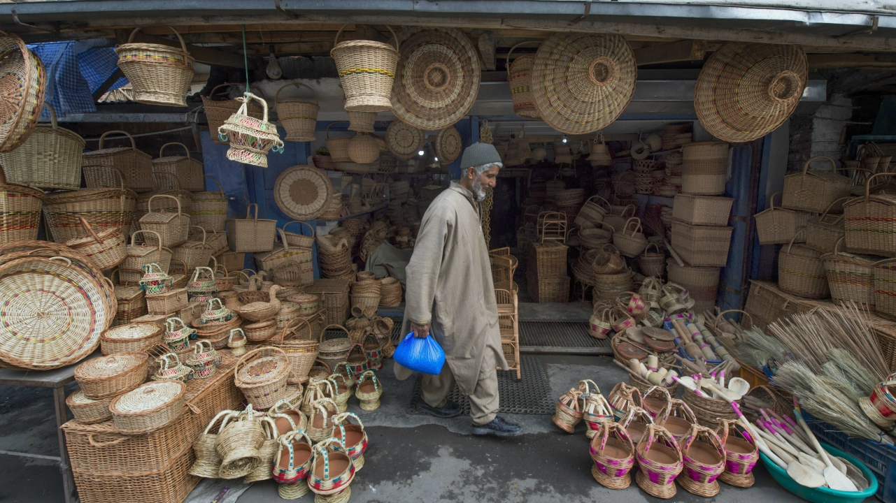 The increase in sale has rekindled his hope that the art of making kangri, unique to Kashmir, can be preserved and passed to the next generation. (PTI)