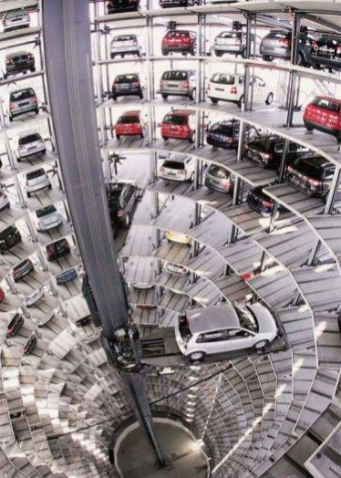 Ans 14: The Autostadt at the factory at Volkswagon's headquarters in Wolfsberg, Germany.