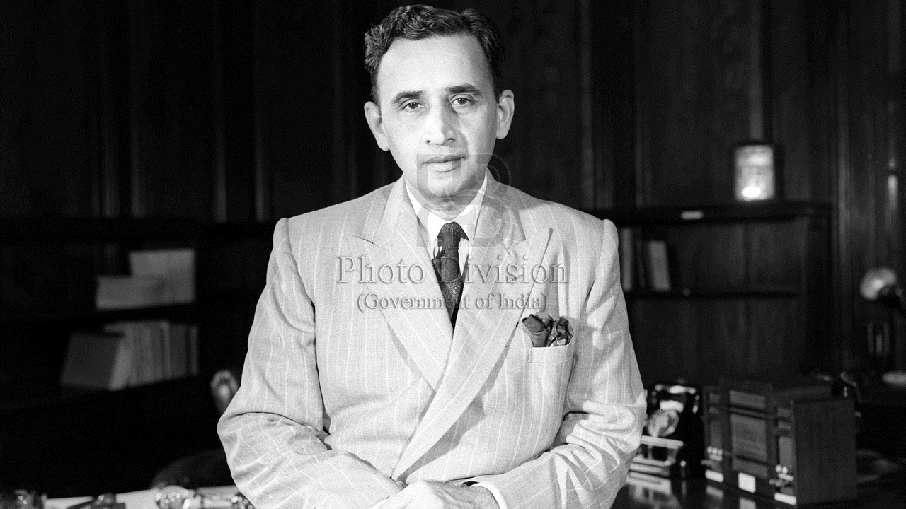 1956-57 || This budget brought back a taxation concept that was only abolished a few years ago. What is it? Ans: Capital gains tax (CD Deshmukh who presented the budget in 1956, Photo Division, GOI)