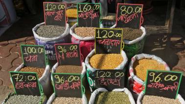 Retail inflation falls to 4.4 percent in February